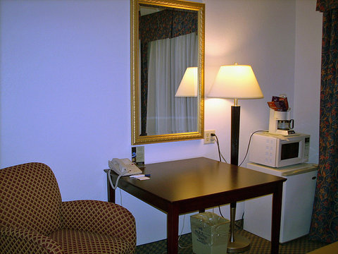 Holiday Inn Express ELKHART NORTH - I-80/90 EX. 92 - Double Bed Guest Room