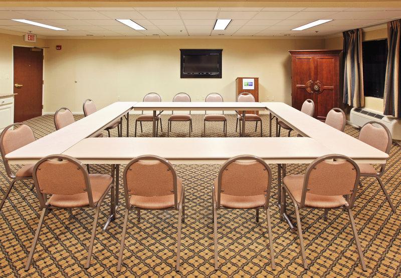 Holiday Inn Express & Suites PINE BLUFF - Pine Bluff, AR