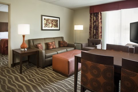 Holiday Inn Hotel & Suites DES MOINES-NORTHWEST - Guest Room Suite