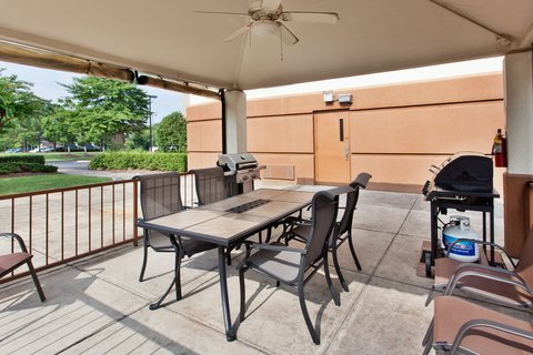 Candlewood Suites DALLAS-LAS COLINAS - Guest Patio