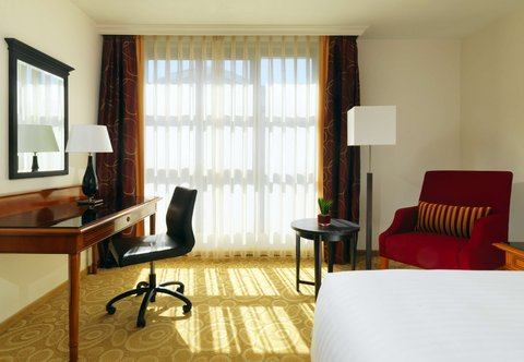 فندق ماريوت هامبورغ - Deluxe Guest Room - Work Desk