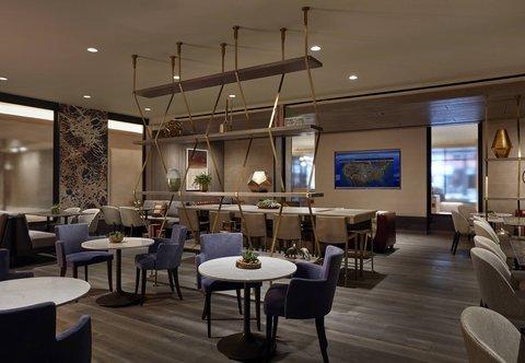Marriott Charlotte City Center Hotel - M Club Lounge - Amenities