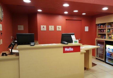 TownePlace Suites Sioux Falls - Front Desk