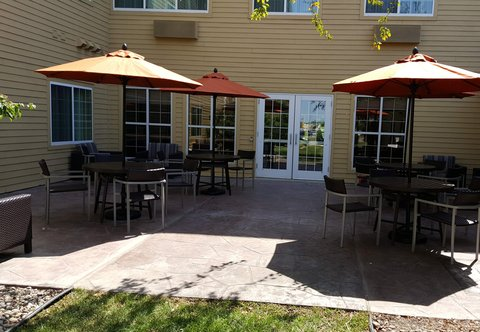 TownePlace Suites Sioux Falls - Patio