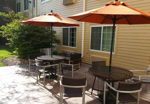 TownePlace Suites Sioux Falls - Outdoor Patio
