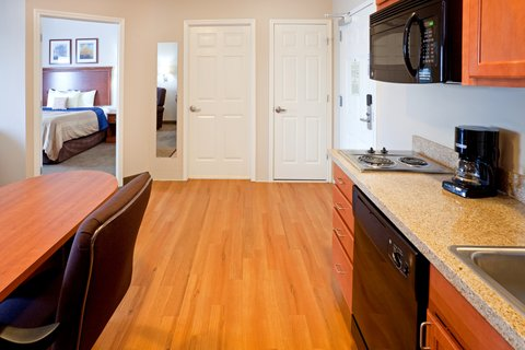 Candlewood Suites LONGVIEW - King Bed Guest Room
