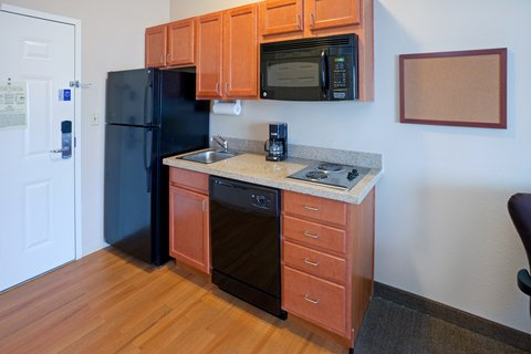 Candlewood Suites LONGVIEW - Fully-equipped kitchen suite