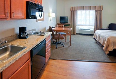 Candlewood Suites LONGVIEW - Queen Bed Guest Room