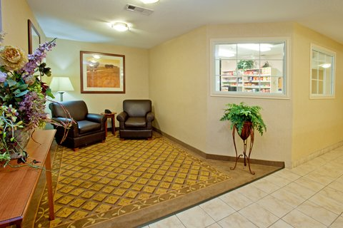 Candlewood Suites BEAUMONT - Hotel Lobby
