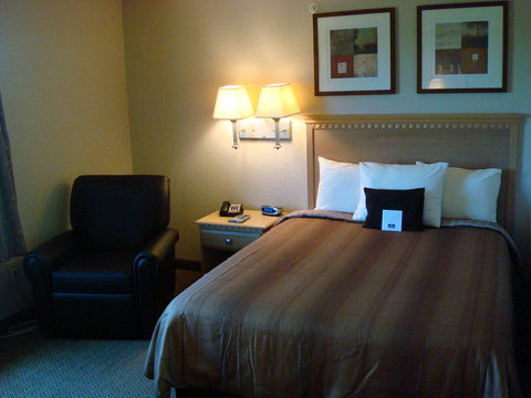 Candlewood Suites BEAUMONT - Single Bed Guest Room