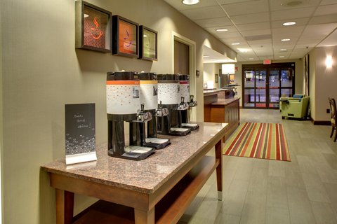 Hampton Inn Greenville-Woodruff Road - Coffee Area