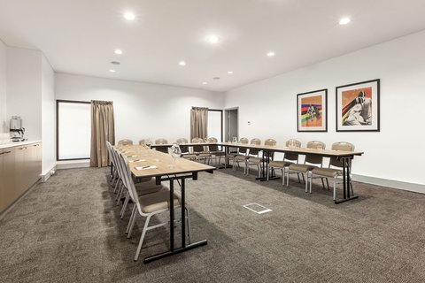 Quest at Sydney Olympic Park Serviced Apartments - Meeting Room