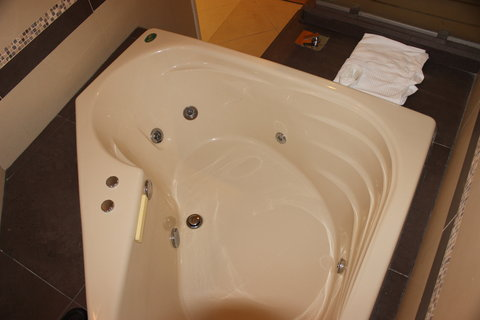 Crowne Plaza Tuxpan Hotel - Imperial suite jacuzzi