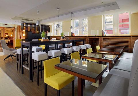 Cologne Marriott Hotel - Pl sch Bar   Lounge   Business Corner