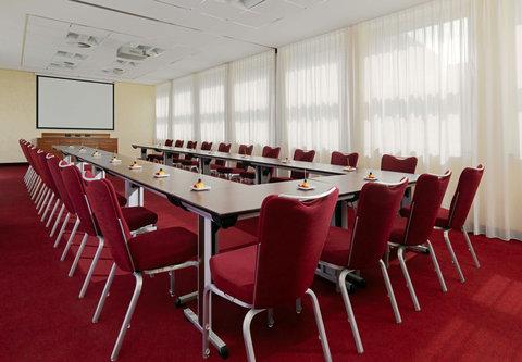 Cologne Marriott Hotel - Studio 11   12 Meeting Room