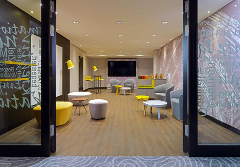 Cologne Marriott Hotel - Work   Relax Meeting Room