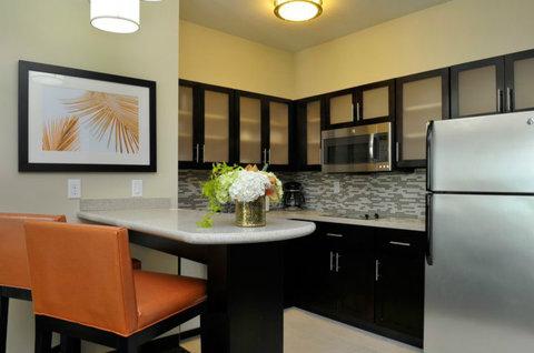 Staybridge Suites ST. PETERSBURG DOWNTOWN - One Bedroom Suite with Kitchen