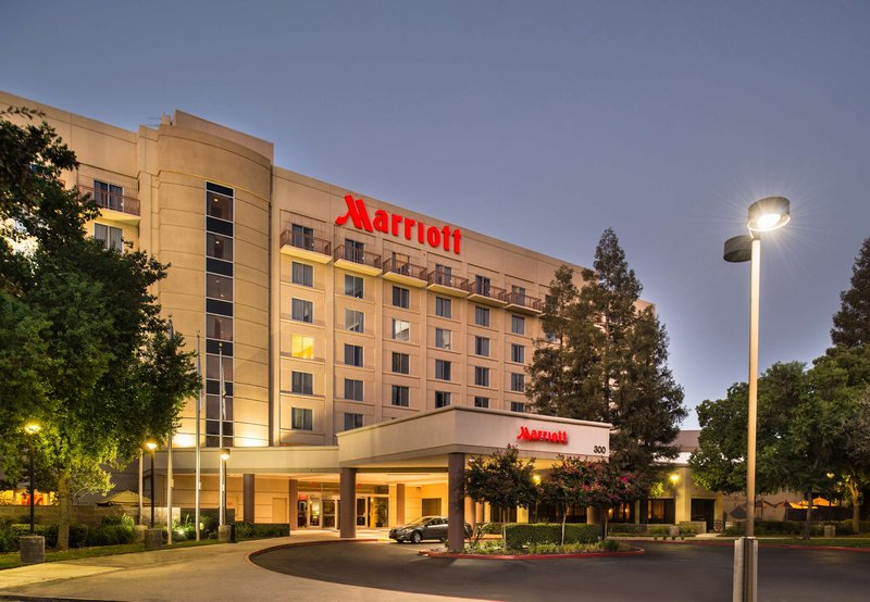 VISALIA MARRIOTT CONV CENTER