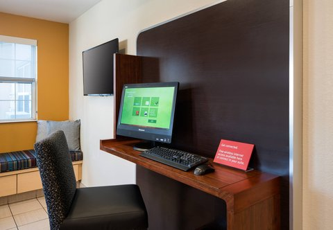 TownePlace Suites Los Angeles LAX/Manhattan Beach - Business Center