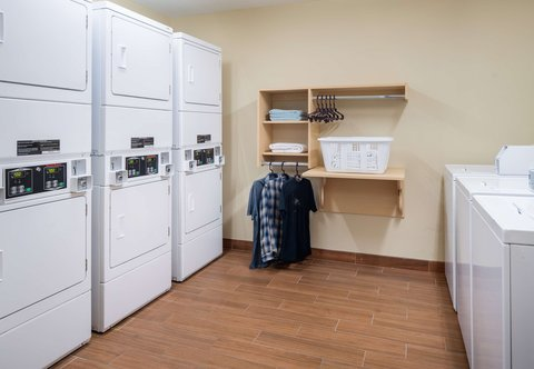 TownePlace Suites Los Angeles LAX/Manhattan Beach - Guest Laundry