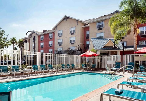 TownePlace Suites Los Angeles LAX/Manhattan Beach - Outdoor Pool