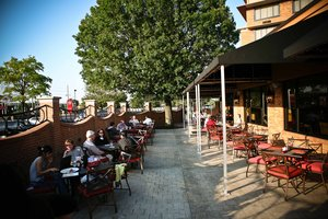 Hotels Near  Arena Plaza Louisville Ky