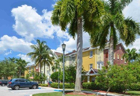 TownePlace Suites Miami Lakes - Exterior