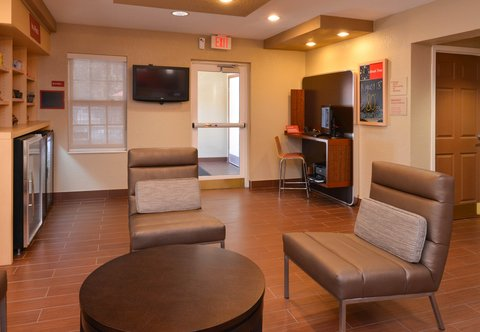 TownePlace Suites Miami Lakes - Lobby
