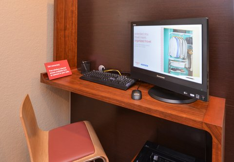 TownePlace Suites Miami Lakes - Business Center