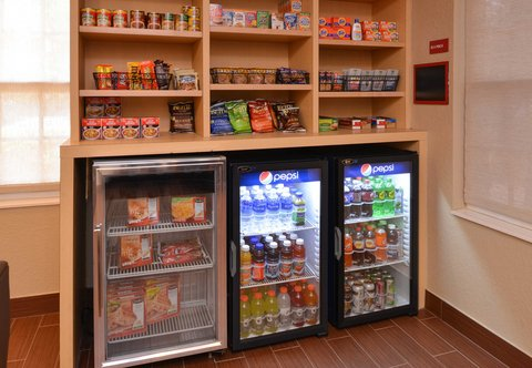 TownePlace Suites Miami Lakes - Pantry