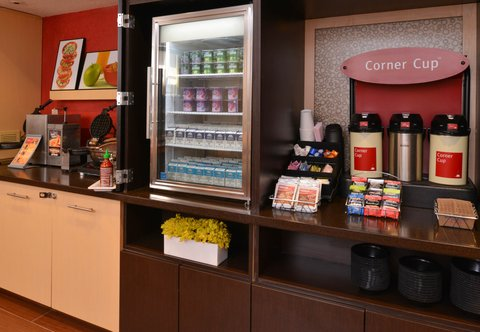 TownePlace Suites Miami Lakes - Breakfast Area
