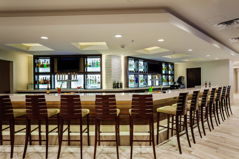 Holiday Inn AUSTIN-TOWN LAKE - Welcome to the Boathouse Bar