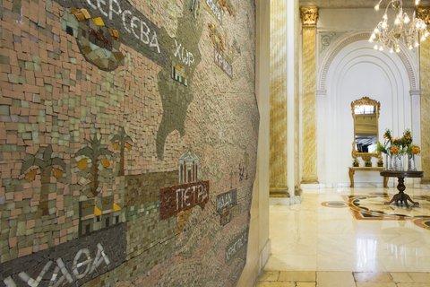 ريجنسي بالاس عمان - Lobby Mosaic Detail at Regency Palace Amman