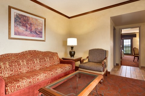 Chateau on the Lake Resort and Spa - Ambassador Living Space