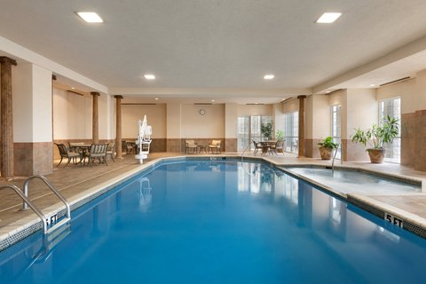 Chateau on the Lake Resort and Spa - Indoor Pool