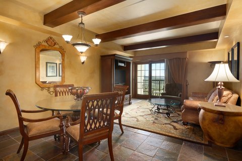 Chateau on the Lake Resort and Spa - Vice Presidential Suite