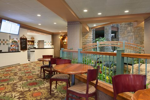 Chateau on the Lake Resort and Spa - Downstairs Deli