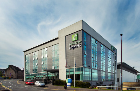 Holiday Inn Express HAMILTON - Our hotel is located in Hamilton  near junction 6 of the M74