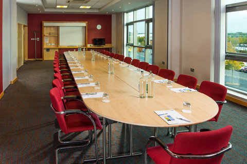 Holiday Inn Express HAMILTON - Host meetings for up to 60 delegates in our Hamilton hotel