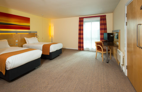 Holiday Inn Express HAMILTON - Our accessible rooms are extra spacious for your convenience
