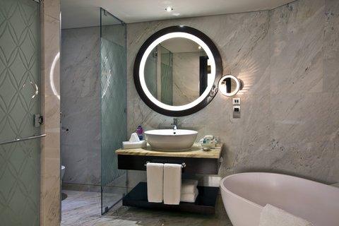 فندق كراون بلازا ديرة دبي - Superior Room