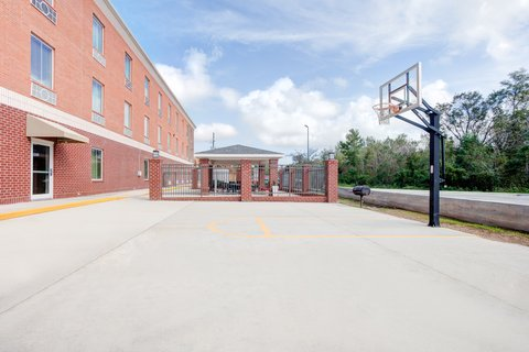 Holiday Inn Express & Suites GALLIANO - Basketball Court Holiday Inn Express AND Suites Cutoff Louisiana