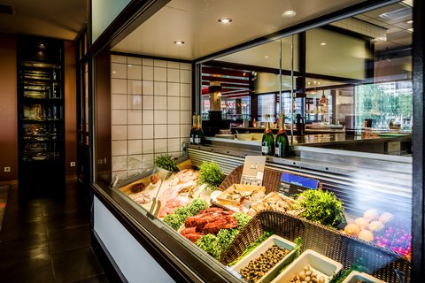 Holiday Inn EINDHOVEN - Enjoy our delicious seafood buffet