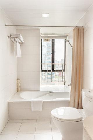 Springdale Serviced Residence - Springdale Two Bedroom Executive Master Bathroom