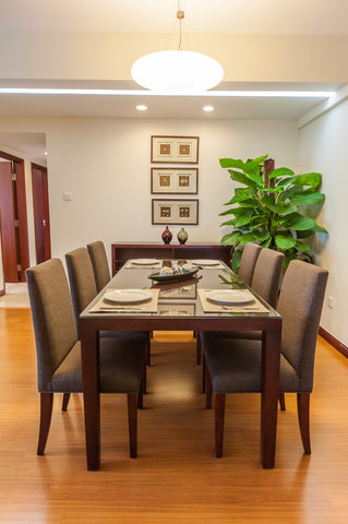 Springdale Serviced Residence - Springdale Three Bedroom Deluxe Dining Table