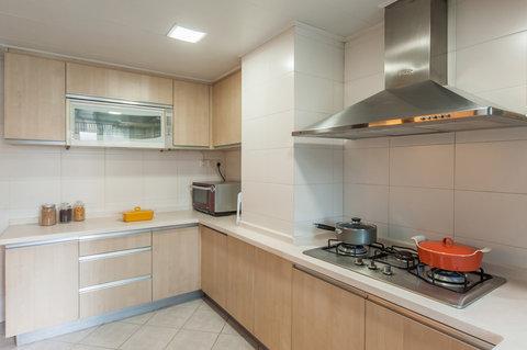Springdale Serviced Residence - Springdale Three Bedroom Deluxe Kitchen