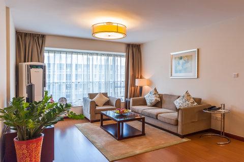 Springdale Serviced Residence - Springdale Three Bedroom Deluxe Living Room