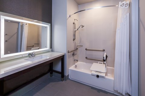 Holiday Inn Express & Suites KILLEEN - FORT HOOD AREA - ADA Handicapped accessible Guest bathroom with mobility tub