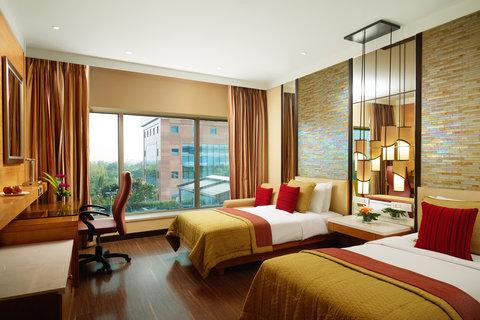 Vivanta by Taj Surya - Superior Charm Twin Bedded Room