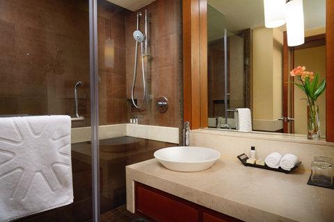 Vivanta by Taj Surya - Bathroom Pic Rooms